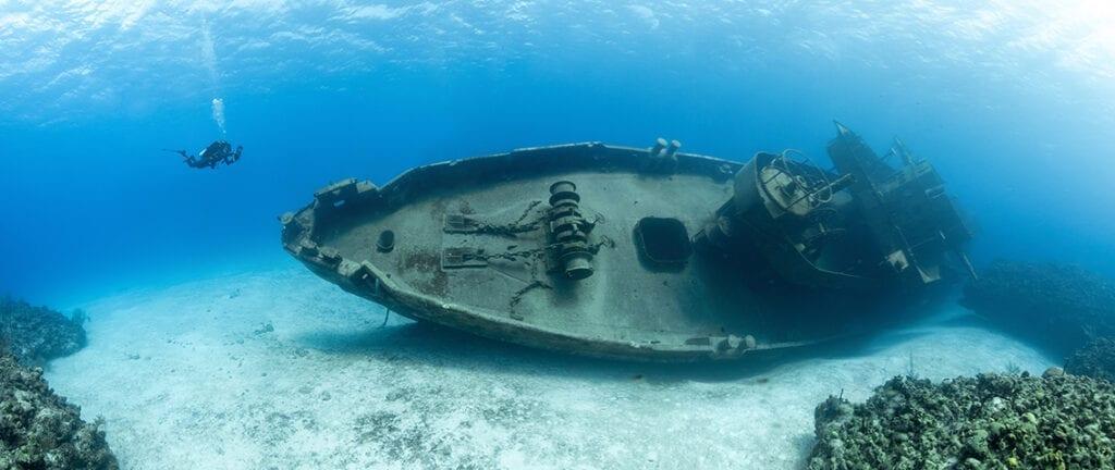 Cayman Islands - Kittiwake shipwreck